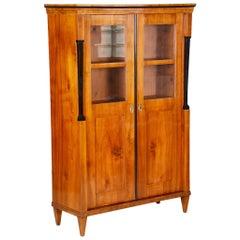 19th Century Biedermeier Walnut Display Double-Door Display Bookcase, Austria