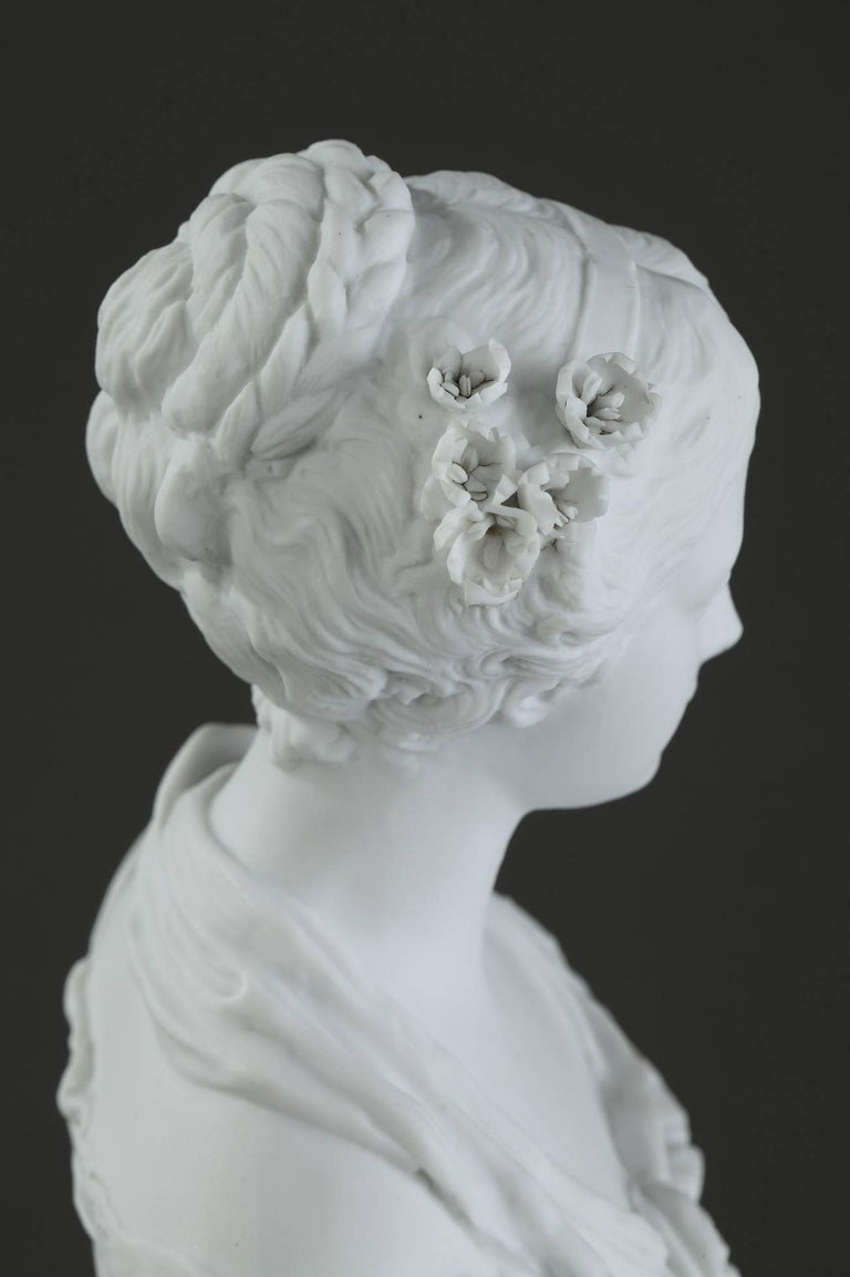 19th Century Biscuit Statuette Young Woman with Flowers For Sale 4