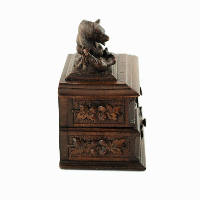 19th Century Black Forest Carved Bear Motif Wood Box with Swing-Out Compartment In Good Condition For Sale In Cincinnati, OH