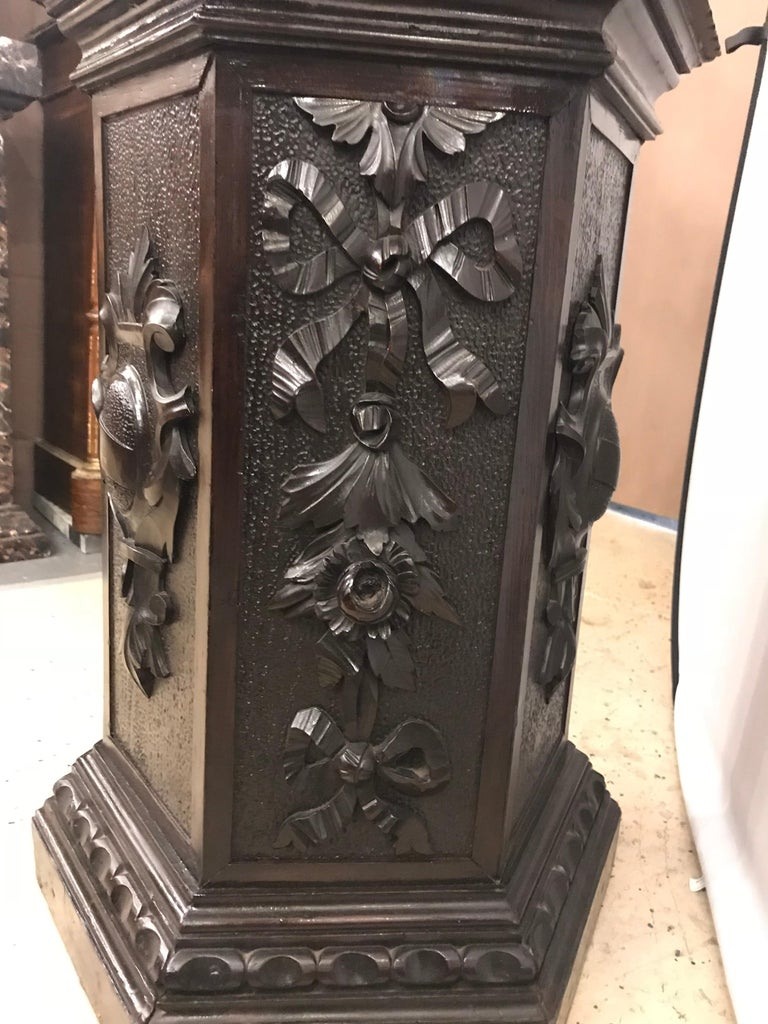 19th Century Black Forest Carving on Pedestal of Two Drunken Cherubs For Sale 1