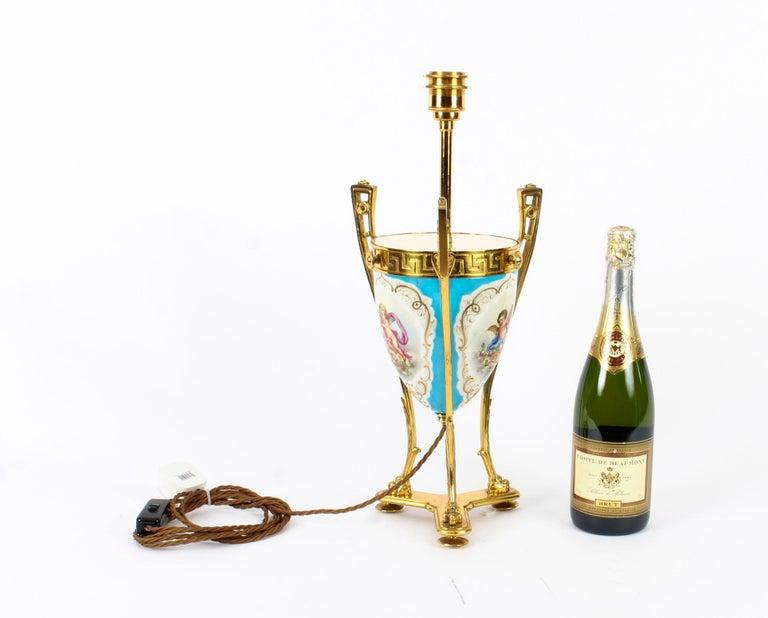 19th Century Bleu Celeste Sèvres Porcelain Ormolu Lamp For Sale 10