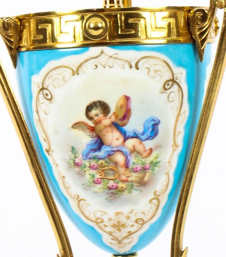 19th Century Bleu Celeste Sèvres Porcelain Ormolu Lamp For Sale 2