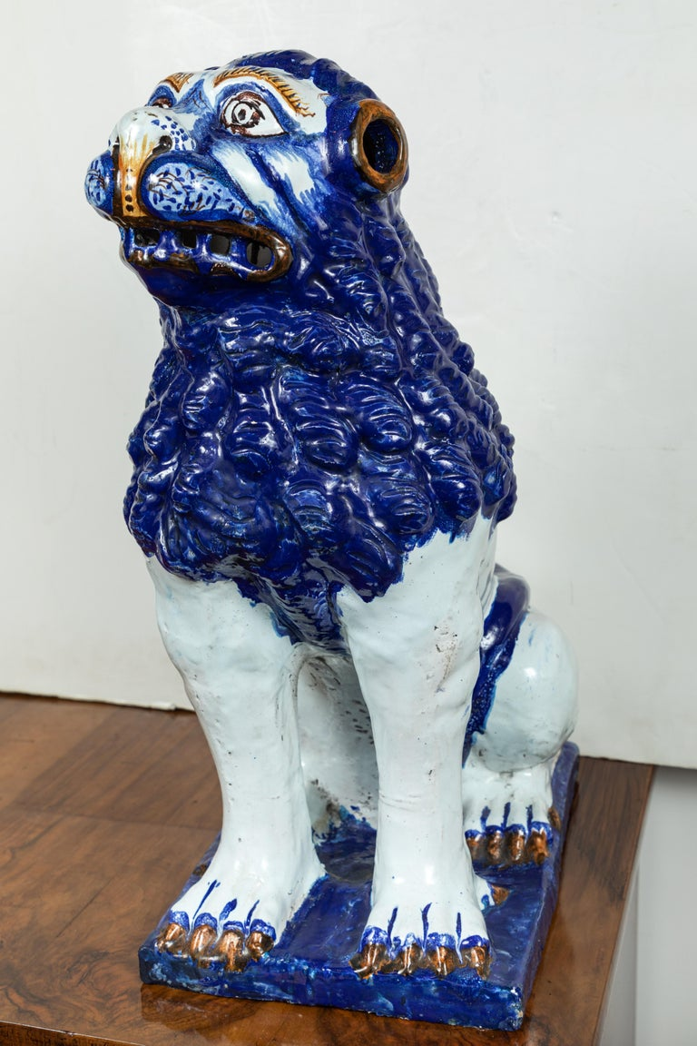 19th Century, Blue and White Foo Dogs In Good Condition For Sale In Newport Beach, CA