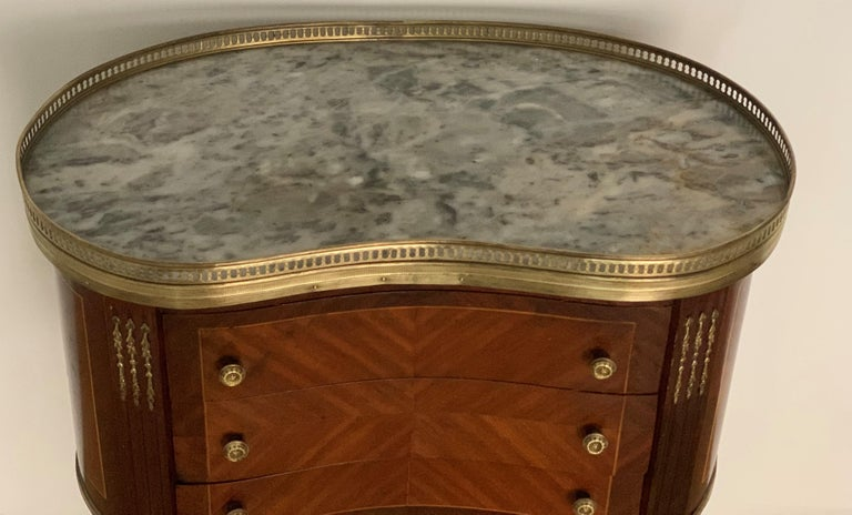 19th Century Bouillotte Louis XVI Style, Kidney Shaped Bronze & Walnut Table For Sale 6