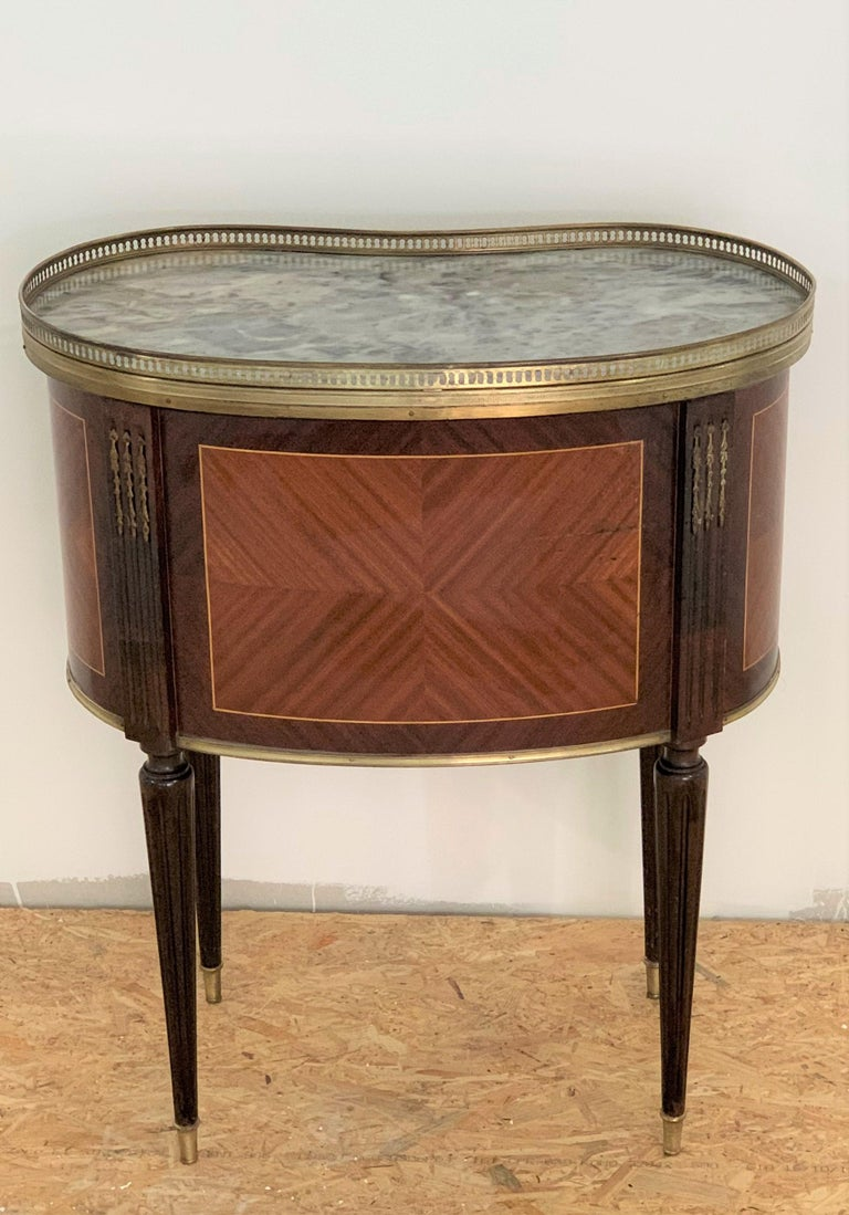 19th Century Bouillotte Louis XVI Style, Kidney Shaped Bronze & Walnut Table For Sale 1
