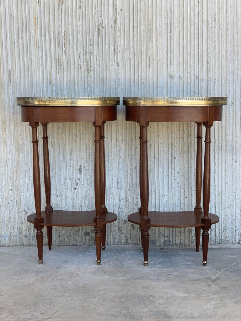 19th Century Bouillotte Louis XVI Style, Kidney Shaped Side Tables or Nightstand In Good Condition For Sale In Miami, FL