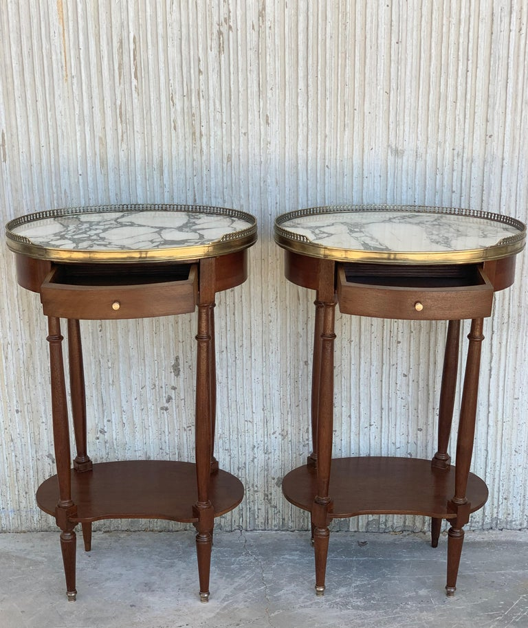 19th Century Bouillotte Louis XVI Style, Kidney Shaped Side Tables or Nightstand For Sale 3