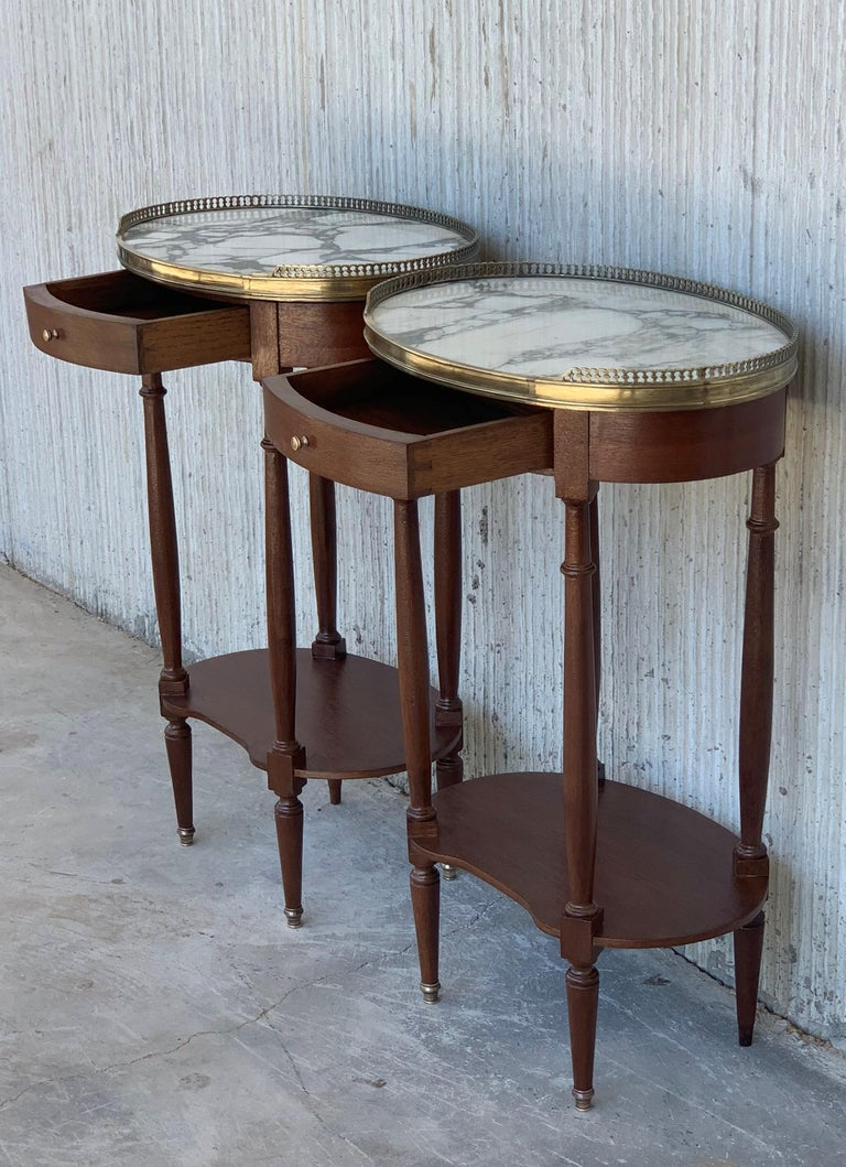 19th Century Bouillotte Louis XVI Style, Kidney Shaped Side Tables or Nightstand For Sale 4