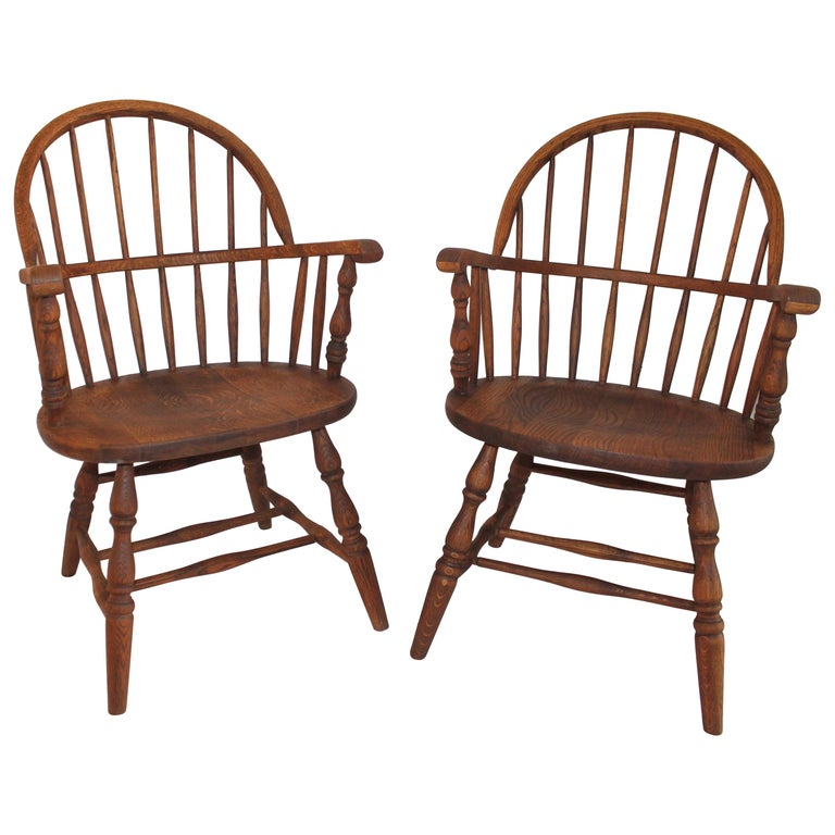 19th Century Bow Back Windsor Armchairs / Pair For Sale