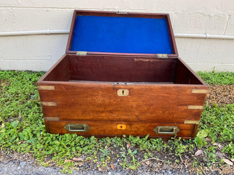 19th Century Brass Bound Mahogany British Campaign Trunk with Drawer In Good Condition For Sale In Charleston, SC
