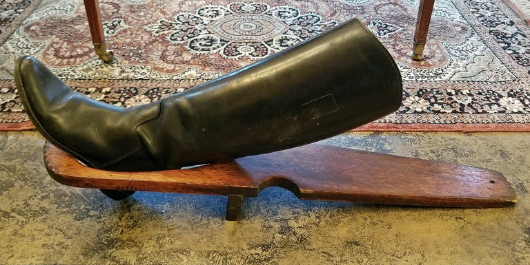 19th Century British Provincial Oak Boot Pull For Sale 2
