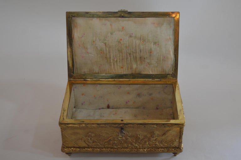 19th Century Bronze Gold-Plated Box For Sale 1