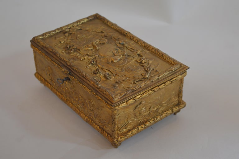 19th Century Bronze Gold-Plated Box For Sale 2