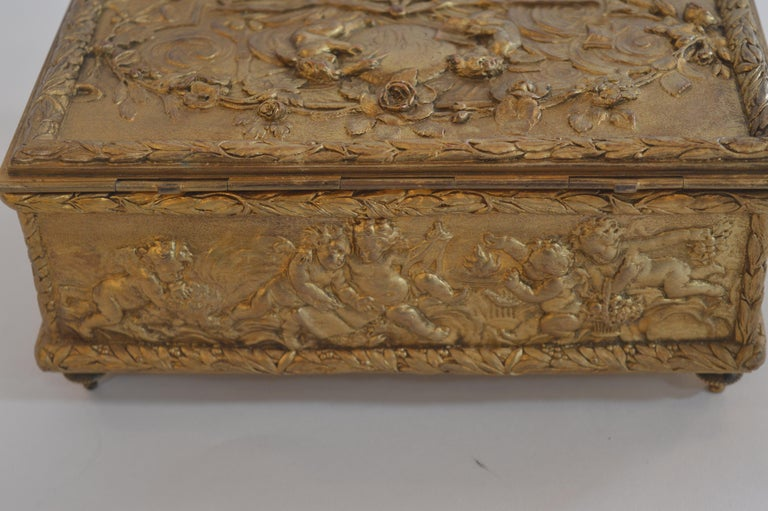 19th Century Bronze Gold-Plated Box For Sale 4