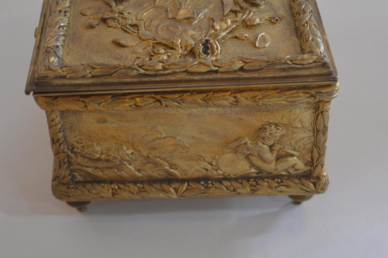 19th Century Bronze Gold-Plated Box For Sale 5