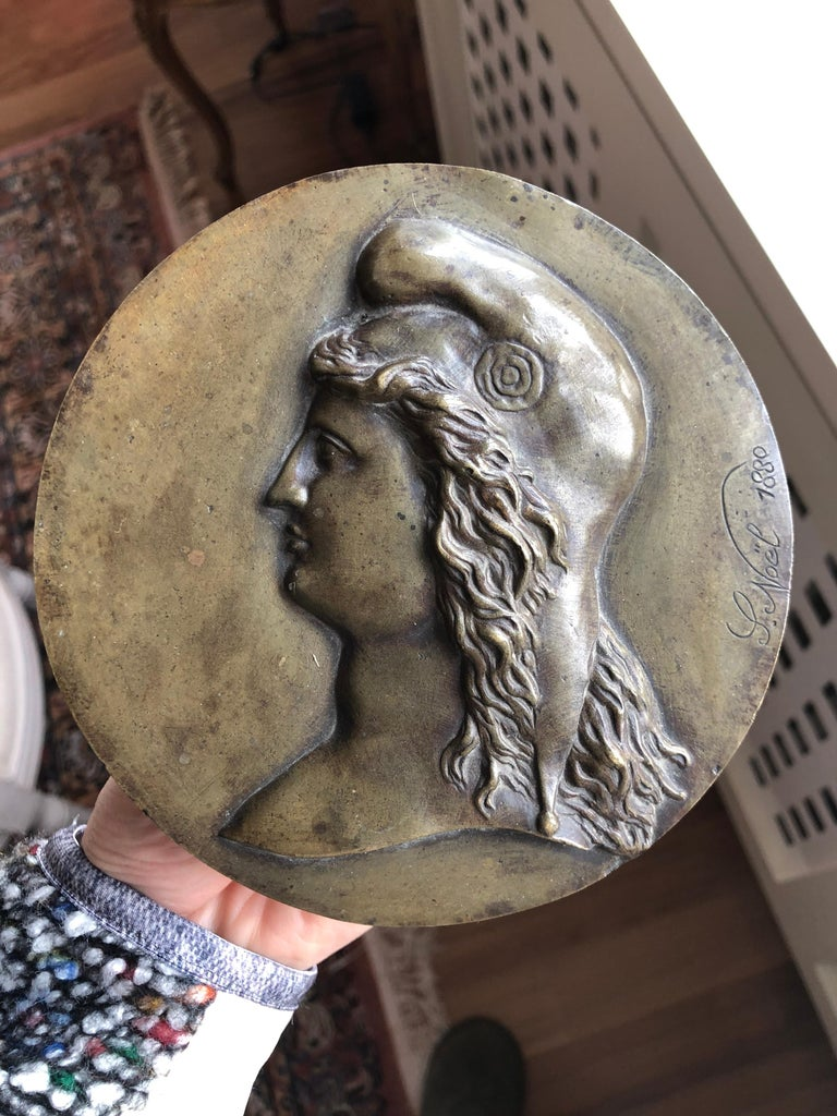 French 19th Century Bronze Medallion Signed by L.Noël in 1880 For Sale