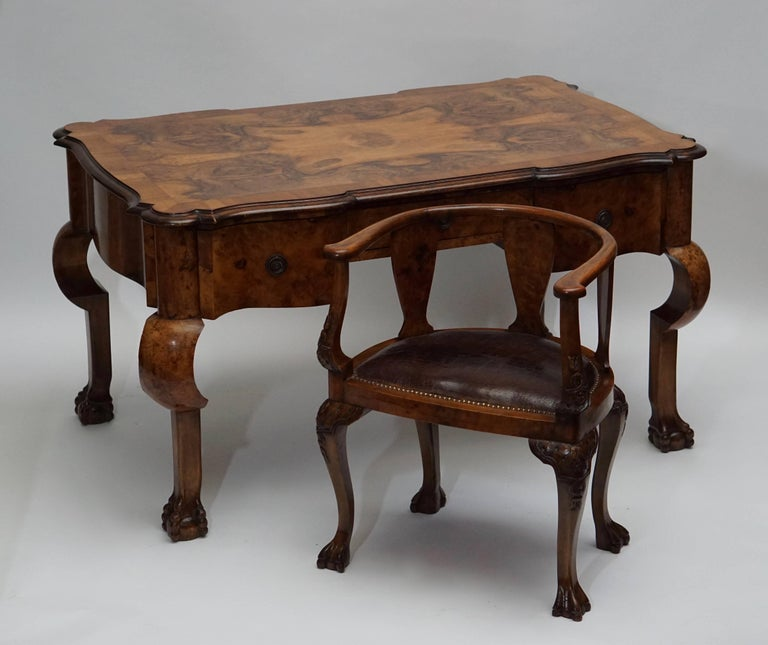 19th Century Burl Walnut Partner's Desk with Armchair In Good Condition For Sale In Antwerp, BE