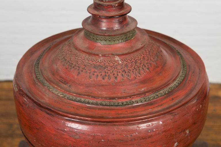 19th Century Burmese Cinnabar Palembang Lacquer Temple Offering Bowl with Lid For Sale 1