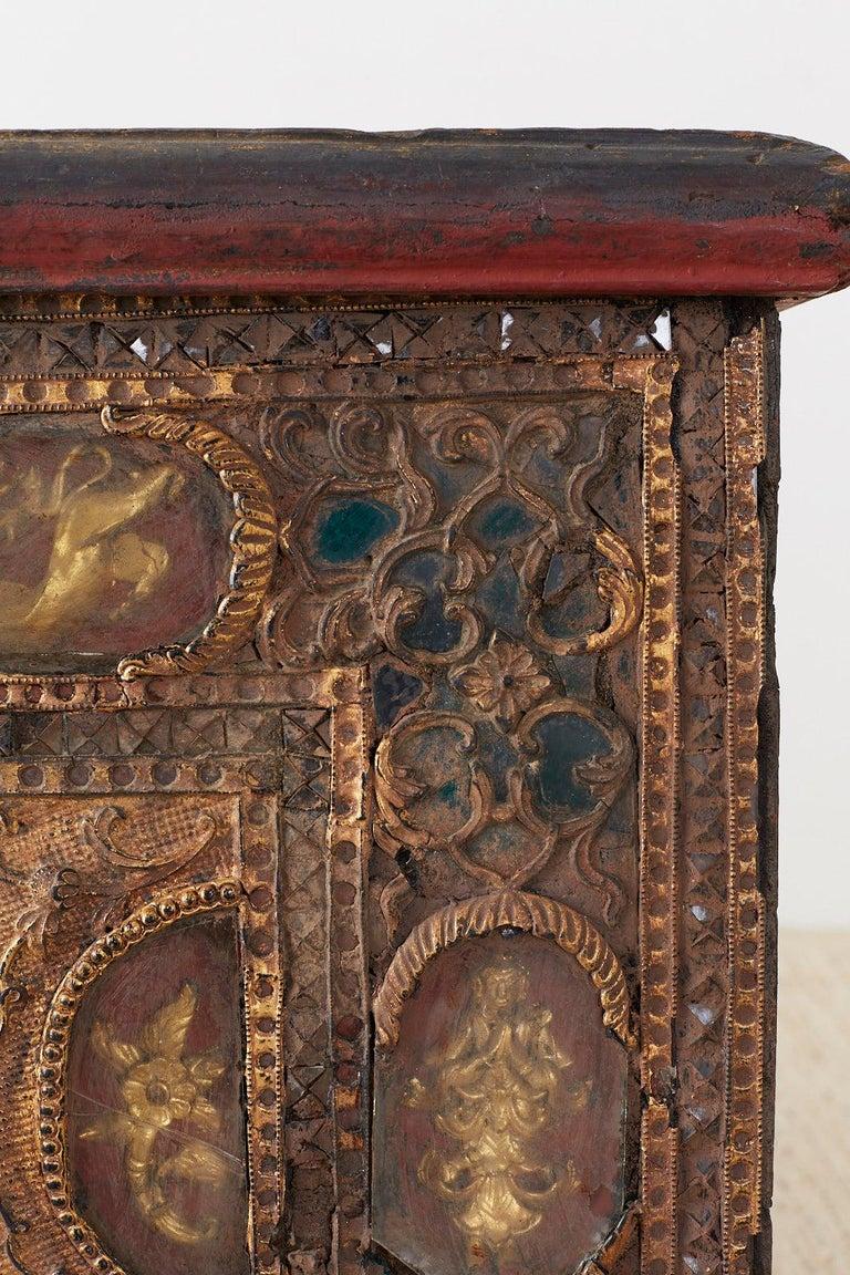 19th Century Burmese Mandalay Gilt Chest or Trunk For Sale 4