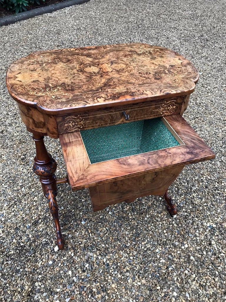 19th Century Burr Walnut and Marquetry Work Table In Good Condition For Sale In Richmond, London, Surrey