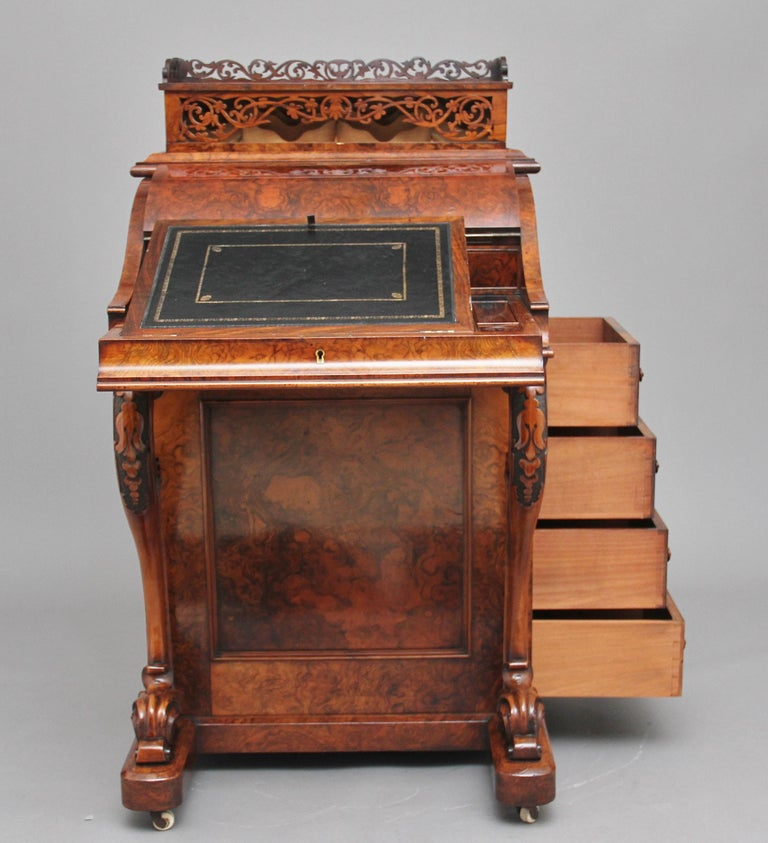 19th Century Burr Walnut Rising Top Davenport In Good Condition For Sale In Martlesham, GB