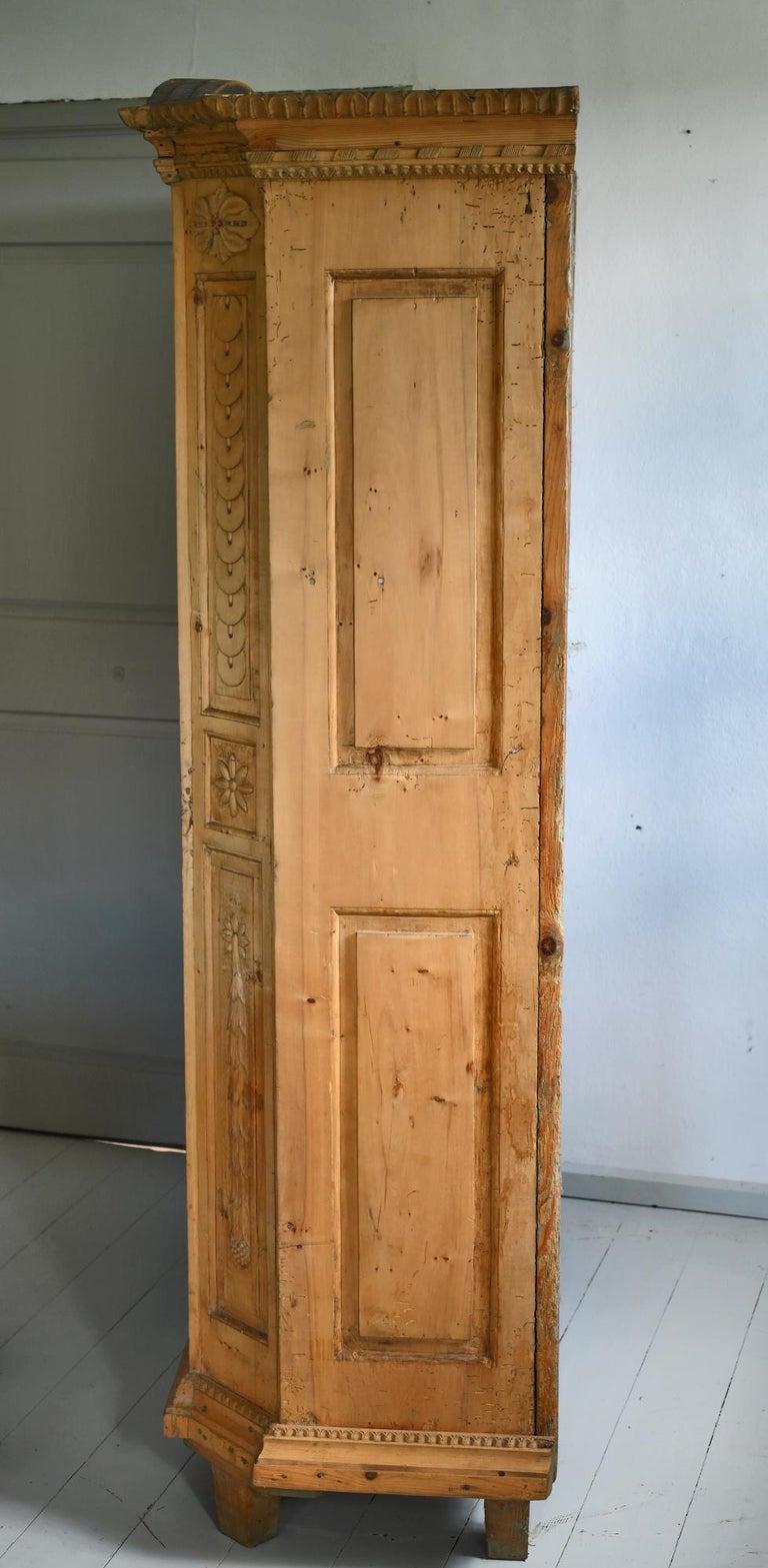 19th Century Carved Cabinet Bavaria Landsberg Lech, Wedding Cabinet Folkart For Sale 2