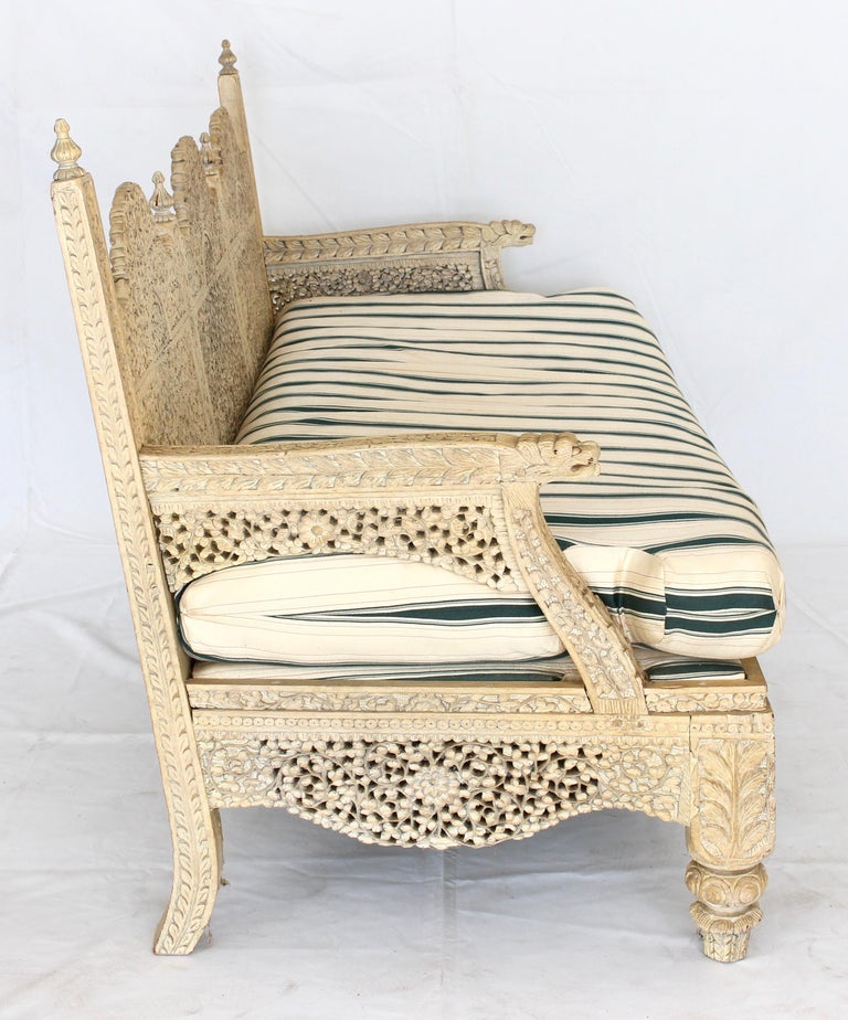 Carved Indian Settee In Good Condition For Sale In Kilmarnock, VA