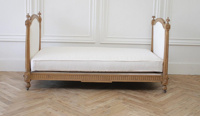 French 19th Century Carved Natural Walnut Daybed with White Upholstery For Sale