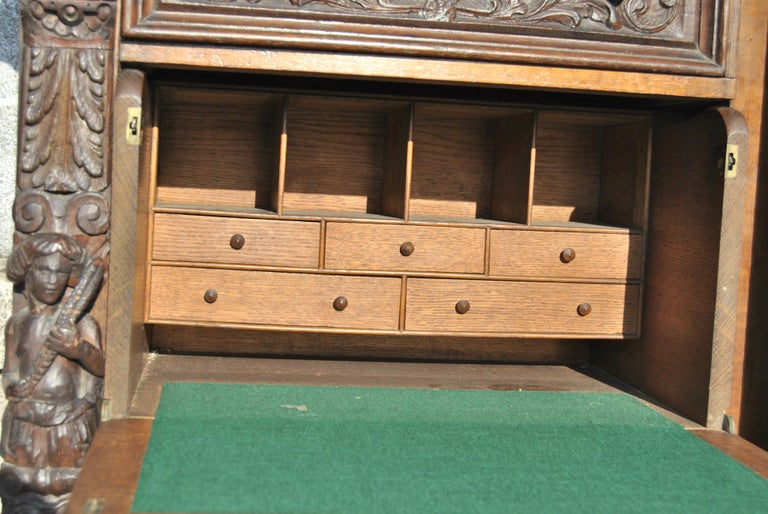 Victorian 19th Century Carved Oak English Wellington Chest For Sale