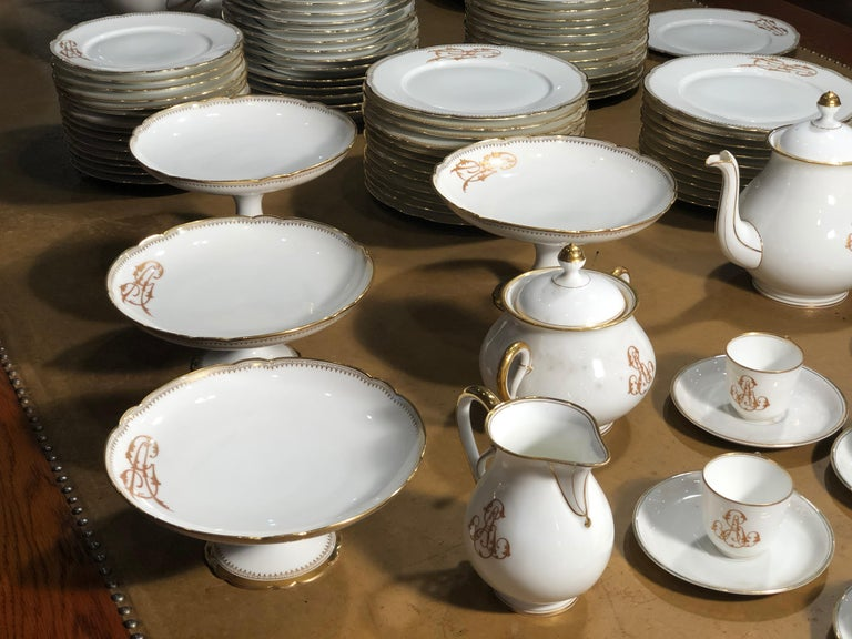 19th Century Ceramic Ginori Dinnerware Set Consisting of 102 Pieces, 1880s In Good Condition For Sale In Roma, IT