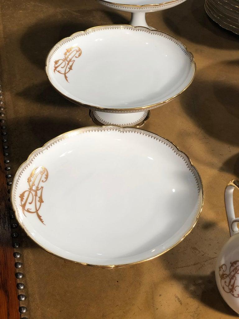 19th Century Ceramic Ginori Dinnerware Set Consisting of 102 Pieces, 1880s For Sale 1