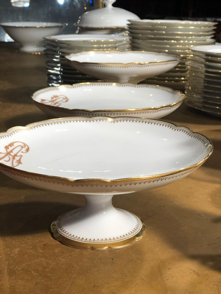19th Century Ceramic Ginori Dinnerware Set Consisting of 102 Pieces, 1880s For Sale 2