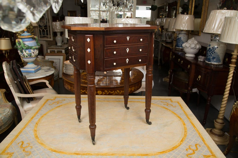 19th Century Charles X Mahogany Sewing Table For Sale 3