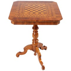 19th Century Chess Table, Italy 'Sorrento', circa 1850, Walnut with Marquetry