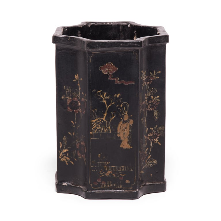 Lacquered 19th Century Chinese Black Lacquer and Gilt Brush Pot For Sale