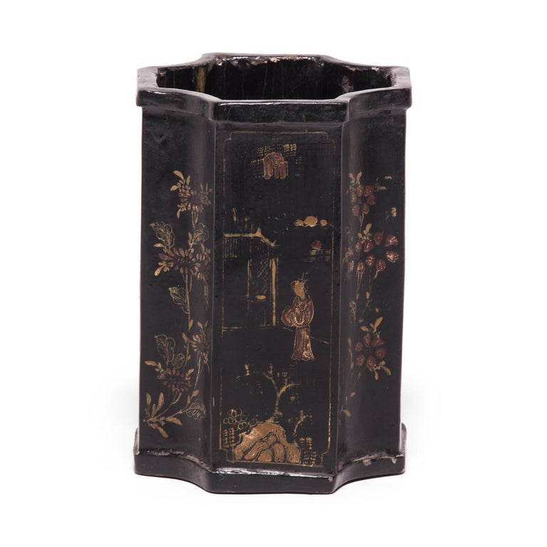 19th Century Chinese Black Lacquer and Gilt Brush Pot For Sale