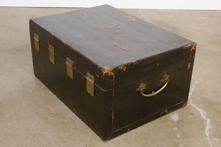 19th Century Chinese Black Lacquered Pigskin Trunk For Sale 7