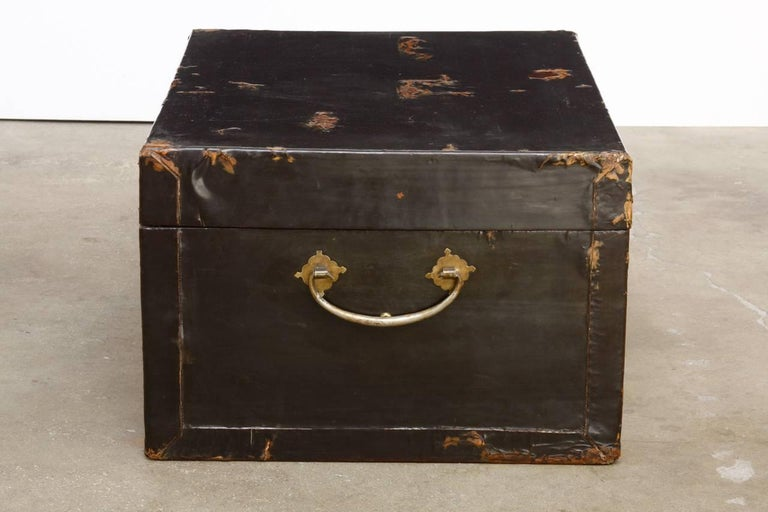 19th Century Chinese Black Lacquered Pigskin Trunk In Distressed Condition For Sale In Rio Vista, CA