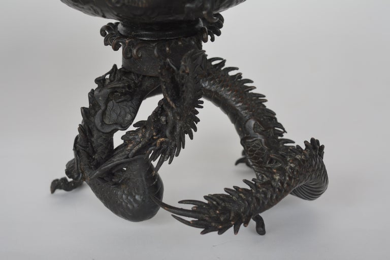 19th Century Chinese Bronze Ensensor Dragons For Sale 1