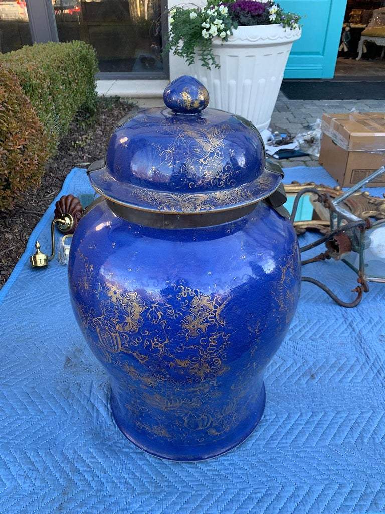 19th Century Chinese Cobalt Covered Porcelain Jar with Hinged Lid In Good Condition For Sale In Atlanta, GA