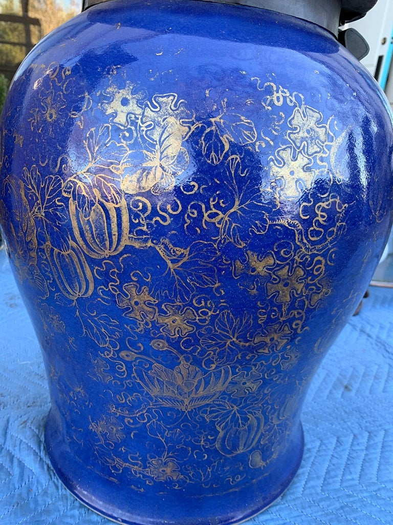 19th Century Chinese Cobalt Covered Porcelain Jar with Hinged Lid For Sale 5