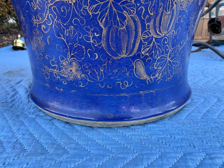 19th Century Chinese Cobalt Covered Porcelain Jar with Hinged Lid For Sale 6