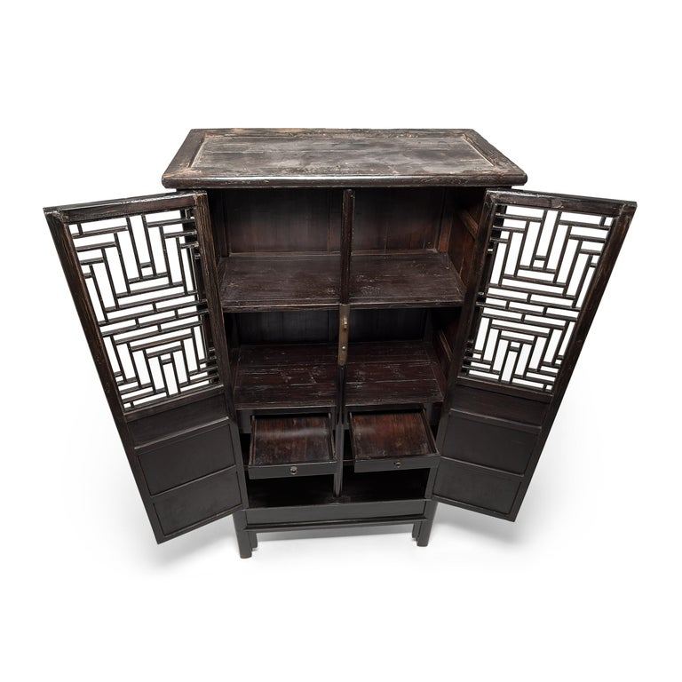 19th Century Chinese Diamond Lattice Display Cabinet For Sale 1