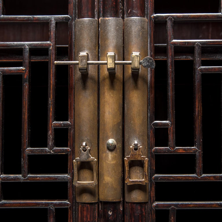 19th Century Chinese Diamond Lattice Display Cabinet For Sale 2