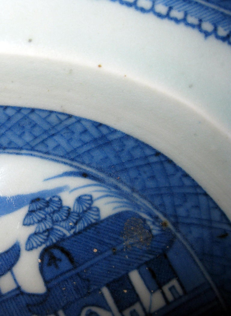 19th Century Chinese Export Blue and White Canton Ware Deep Platter For Sale 5