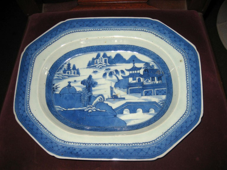 19th Century Chinese Export Blue and White Canton Ware Deep Platter For Sale 6