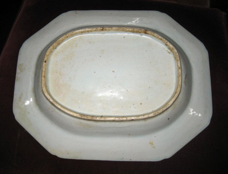 19th Century Chinese Export Blue and White Canton Ware Deep Platter In Good Condition For Sale In Savannah, GA