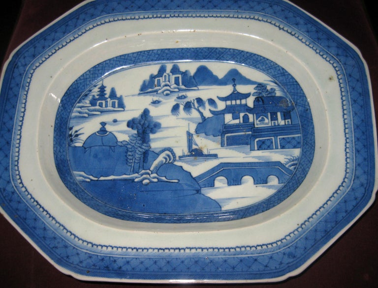 Early 19th Century 19th Century Chinese Export Blue and White Canton Ware Deep Platter For Sale