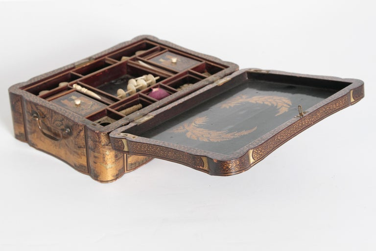19th Century Chinese Export Chinoiserie Lacquer Sewing Box For Sale 5