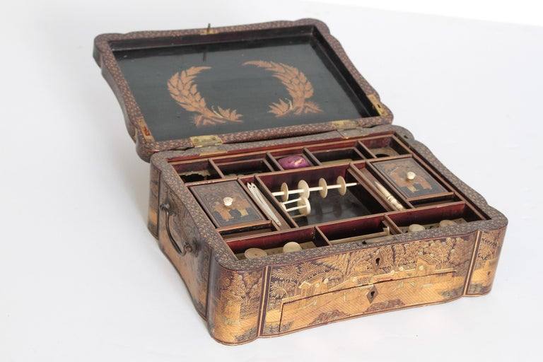 19th Century Chinese Export Chinoiserie Lacquer Sewing Box For Sale 10